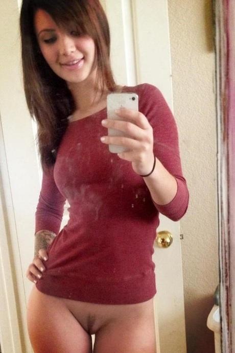 Секси девочка со стрижкой на лобке домашнее фото