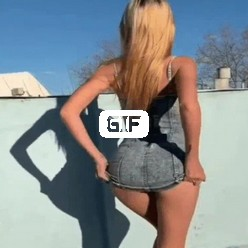 Порно гифка девушка блондинка задрала юбку